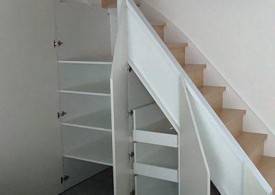 Réalisation d'un aménagement sous escalier par Les Sens du Menuisier