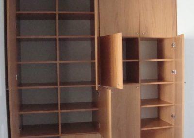 Réalisation d'un aménagement de placard de bureau