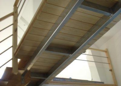 Escalier avec insertion de wengé dans la marche par Les Sens du Menuisier
