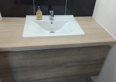 Création d'un meuble vasque par Les Sens du Menuisier