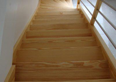 Escalier en bois quart tournant avec contremarche