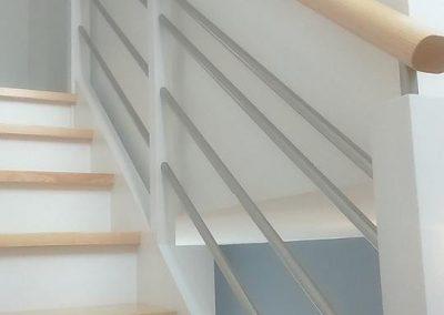 Escalier bois quart tournant avec contremarche par Les Sens du Menuisier