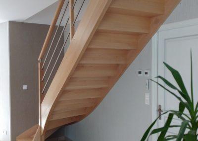 Escalier en hêtre quart tournant avec contremarche