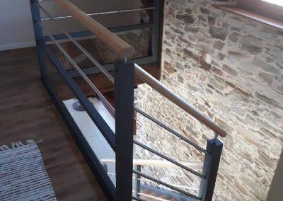 Escalier bois quart tournant avec finition en gris par Les Sens du Menuisier