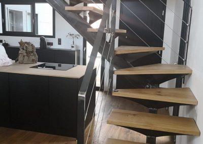 Escalier en chêne quart tournant avec rambarde en inox