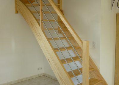 Escalier en pin quart tournant