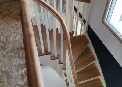 Escalier quart tournant limon main courante débillardée